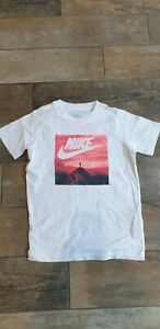 Nike White Childs T-Shirt Size Small