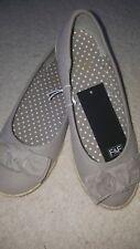 Canvas shoe / beige pumps, size 5, BNWT
