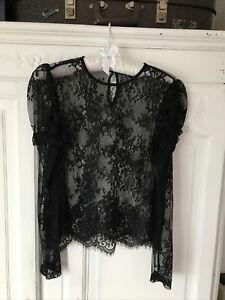 Forever 21 Black Lace Long Sleeved Top Small Size 8-10