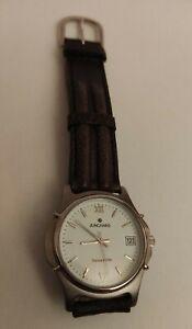 Montre Junghans 2605 quartz étanche 5 atm France ébauche bracelet buffle nautic