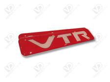 CITROEN Saxo VTR Rojo único par abovedado resina de poliuretano insignias puerta Premium