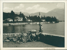 Italia, Cadenabbia (Lombardia)  Vintage silver print. Italy.  Tirage argentiqu