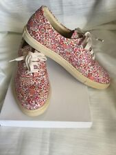 WEEKEND Max Mara  fantastic shoes  Woman, beige color in the flowers, size 37