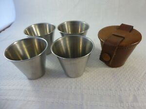 Vintage Mid Century Modern Rostfritt, Sweden 4 Nip Cups in Leather Carrying Case