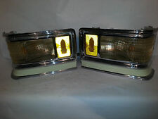 1976 Cadillac front turn signal corner assemblies w/ pig tail wire harness