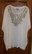 """JM COLLECTIONS  SIZE 0X  WHITE CASUAL TOP  WITH GOLD EMBELLISHMENT  70"""" ACROSS"""