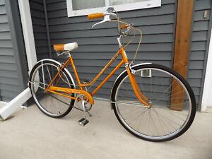1967 SCHWINN DELUXE BREEZE COPPERTONE 3-SPEED LADIES  CRUISER BICYCLE S5 RACER!