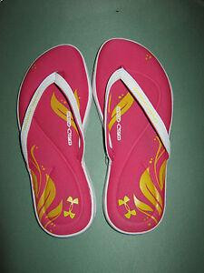 NWT Girl's Under Armour Multi-Color Slip-On Flip Flops Size Medium Y 3 & 4