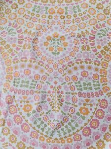 Vintage 1970s Flower Sheet Fabric,  Ideal For Dress Making  , 85 Cm  By 93 Cm