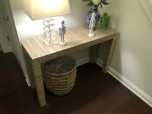 Stylish, Modern Parsons Console Table - Natural