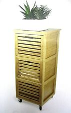 Moderne Regale aus Bambus in aktuellem Design