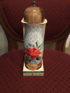 "Pioneer Woman ""Spring Bouquet"" Pepper Grinder"