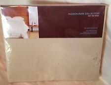 Hudson Park Collection Flat Sheet. Twin 600TC Gold 100% Cotton Retail $120.00