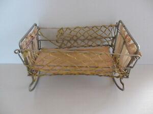 Antikes Puppenbett Puppenwiege klappbar Metall 23x14cm