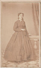 Photo carte de visite : Maurice Satdtfeld ; Jeune femme en pause , vers 1863