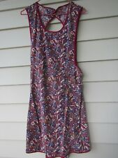 """VINTAGE BACK BUTTON AND TIE COTTON RED/BLUE PRINT 37""""L FULL BIB APRON"""