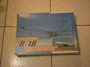 """MAQUETTE AVION B-1B LANCER """"TEST PROGRAM"""" USAF PANDA MODELS 1/144"""