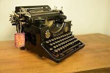 COLLECTIBLE FABULOUS TYPEWRITER TRIUMPH 10 - NO RISK WITH SHIPPING