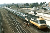 PHOTO  CLASS 43 LOCO NO 43068 LEADING AND 43122 AT DONCASTER 1986