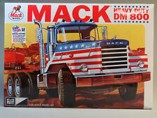 MPC MACK HEAVY DUTY DM800 MODEL TRUCK KIT plastic tractor 1:25 Scale 899 NEW