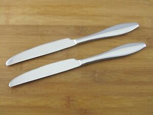 """2 Two Oneida COMET Dinner Knives 9 1/2"""" Stainless Flatware Silverware Glossy"""