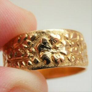 Fine Antique Victorian 18ct Gold Floral Engraved Wedding Ring c1893