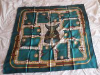 Hermès Authentique et superbe carré en soie « Camails » Ed. 1974 - TTBE