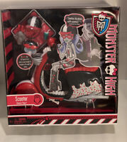 "Monster High ""Ghoulia Yelps Scooter"" 2011 Mattel X3659 Retired New Sealed"