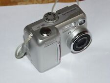 Nikon COOLPIX 775 2.0 MP - Digital Camara - Plateado