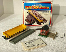 VINTAGE LIFE-LIKE HO BOB'S DUMP STATION #08704 WITH DUMPING FREIGHT CAR