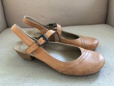 OTBT OFF THE BEATEN TRACK TAZEWELL TAN LEATHER MARY JANES SANDALS SIZE 6.5