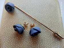 VINTAGE BLUE JASPER STYLE HAND CRAFTED ROSE DESIGN STICK PIN&MATCHING EARRINGS