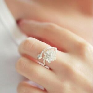 Dainty flower open adjustable ring with gold detailing 925 Sterling Silver