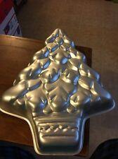 Wilton Treeliteful Holiday Christmas Tree Cake Bake Pan Mold #502-1107 1991