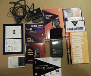 3Com Palm III e PDA Professional Organizer with Dock and Manuals