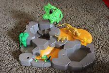 Playmobil Lion Cat and Cub Habitat Island trees safari figures water land lot