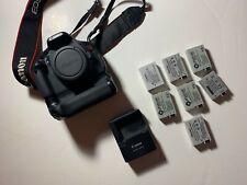 Canon T3i Camera body Battery Grip 7 batteries