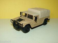 Voiture 4x4 Humvee Hummer pick-up bâché militaire  Solido 1/50