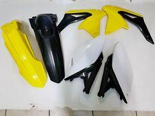KIT PLASTICHE SUZUKI RMZ 250 2013 KIT 4 PZ COLORE GIALLO NERO BIANCO COME FOTO