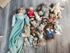 Large lot of 19 Misc Teddy Bear Stuffed Animal Toy Plush Holiday. Various Sizes
