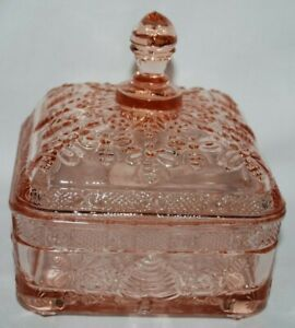 Vintage 1983 Indiana Glass Tiara Exclusive Peach PINK Honey Bee Box Candy Dish