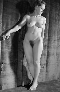 A176 8x12.3 Shapely 1930s NUDE #1 Showing Her BEAUTIFUL BODY! (ART NUDES)