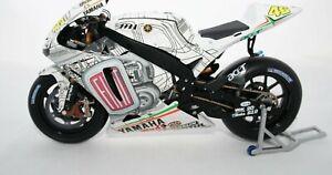 MINICHAMPS 1/12 ROSSI YAMAHA YZR – M1 2007  PEINTURE SPECIALE MOTO GP DE VALENCE