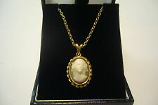 9ct gold oval 3D cameo pendant on 46cm chain, 7.6 grams, used