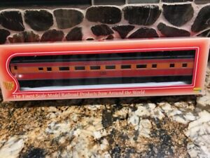 IHC Premier HO #48251 Smooth Side P.S. Coach Southern Pacific Daylight NIB!