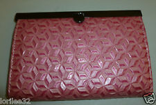 WOMEN'S PINK GEOMETRIC FLORAL PRINT TEXTURED FAUX LEATHER CLUTCH WALLET PURSE