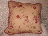 SHABBY COTTAGE WAVERLY RED ROSES THROW PILLOW CARAMEL PARIS APT CHIC