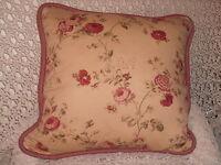 Waverly Ballad Bouquet Ruffled 100/% LINEN Lumbar Kidney Pillow w//Feather Insert