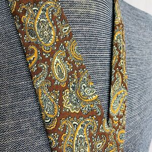 BROOKS BROTHERS Makers Tie All Wool Paisley Woven And Hand Block In England EUC