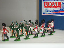 DUCAL IRISH GUARDS PIPES + DRUMS BAND MARCHING METAL TOY SOLDIER FIGURE SET
